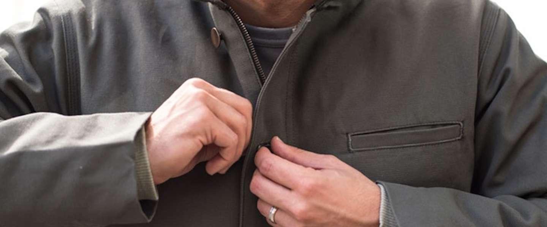 Deze stijlvolle jas gaat maar liefst 25 jaar mee