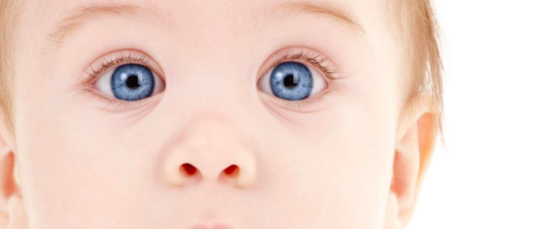 Zelfdenkend babyflesje gebruikt sensoren en smartphone