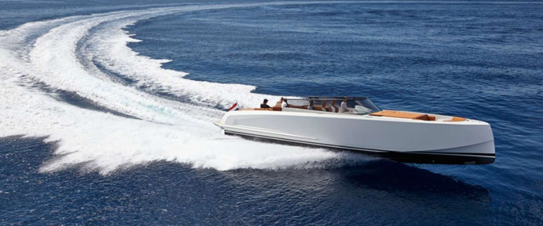 Varen in luxe op de Vanquish VQ48 Sports Boat