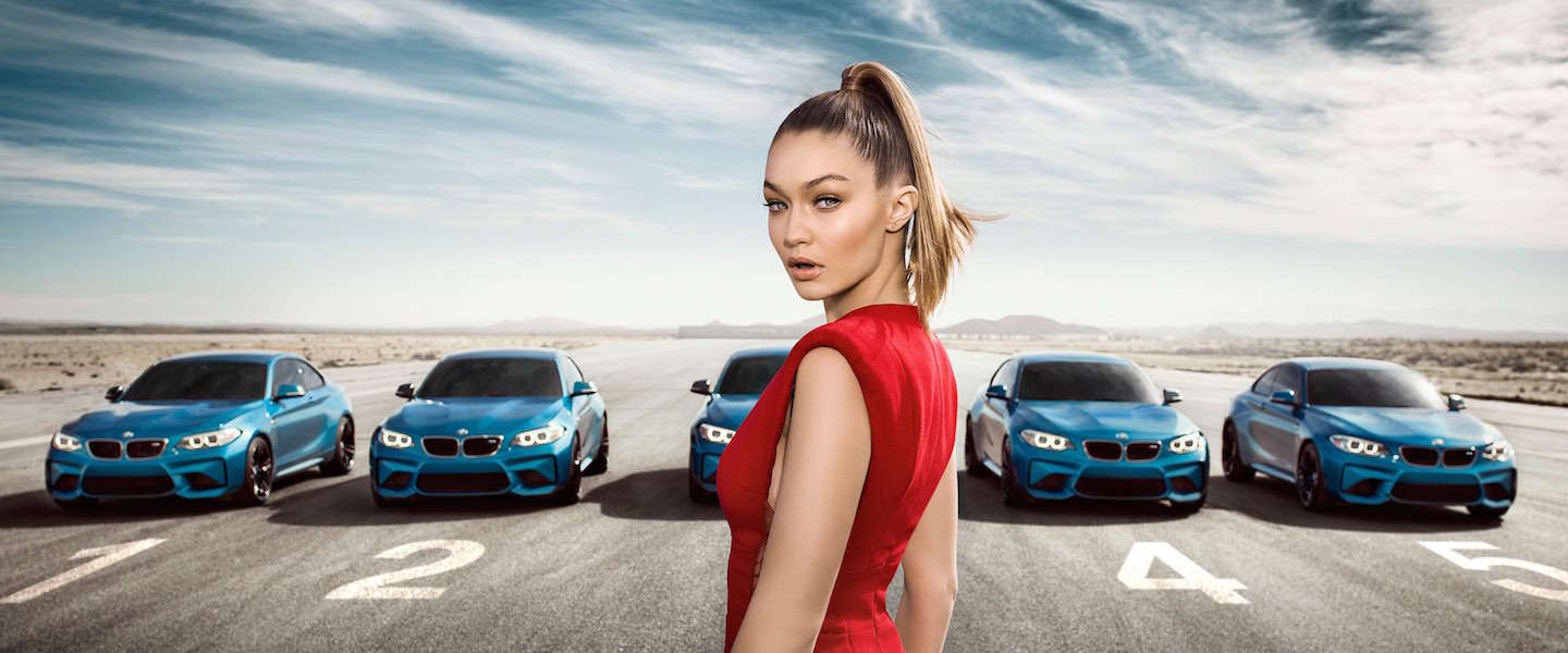 Babes and cars: Gigi Hadid voor BMW