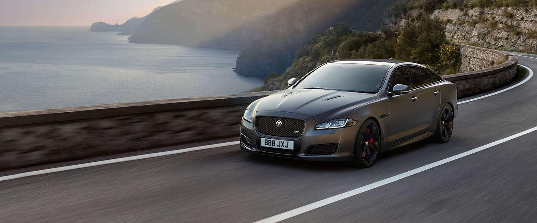 De XJR575 is de nieuwe topversie van Jaguar
