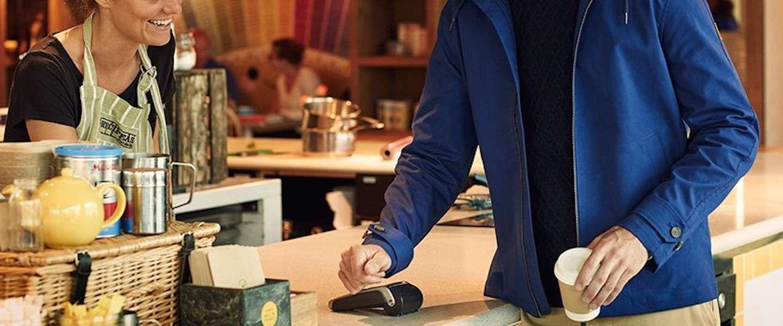 Een stijlvolle jas waarmee je contactloos kunt betalen
