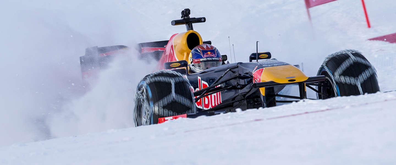 Max scheurt in F1 auto over skipiste - in 25 vette foto's