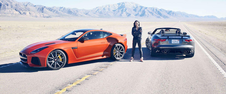 Babes and cars: Michelle Rodriguez test de Jaguar F-Type SVR