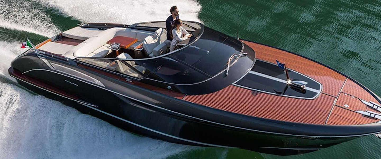 Dit jacht van Riva is een combinatie van luxe en snelheid