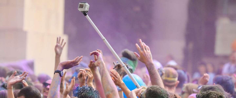 Selfie sticks verboden op festivals