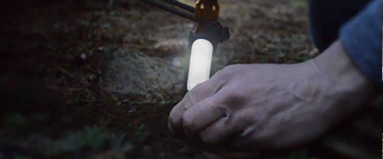 Welke kampeerder wil deze tentharingen met LED lampjes niet?