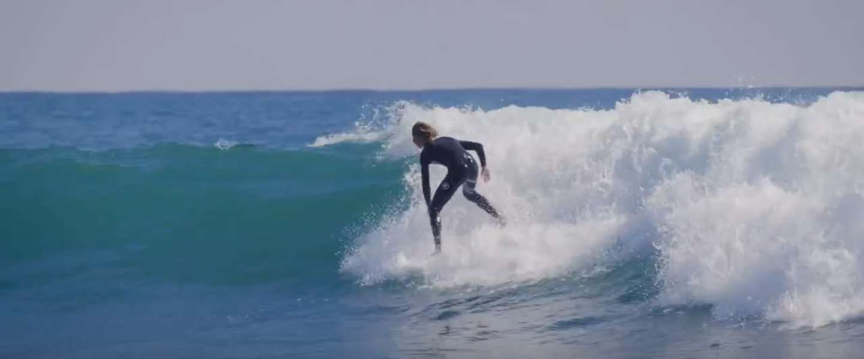 Een gave surfvideo op 's werelds beste golven!