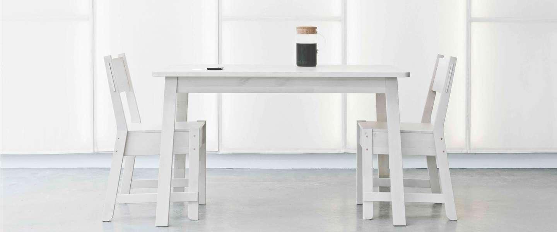 Je telefoon gratis opladen door middel van je keukentafel