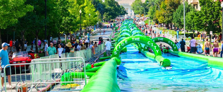 Cool! Een waterglijbaan van 300 meter in Antwerpen!