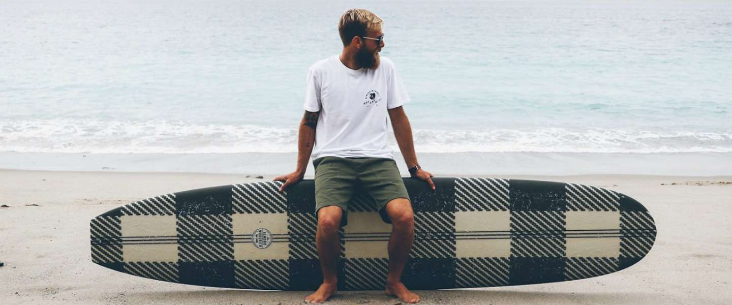 Coole surfercollectie: Woolrich x Almond Surfboards Collection