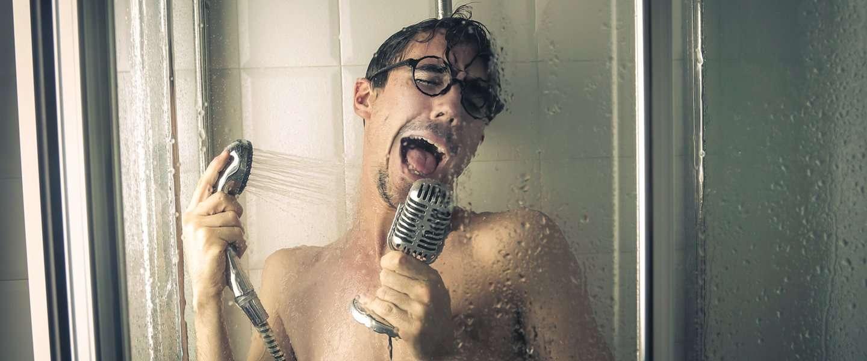 Meeblèren onder de douche doe je met deze speakers!