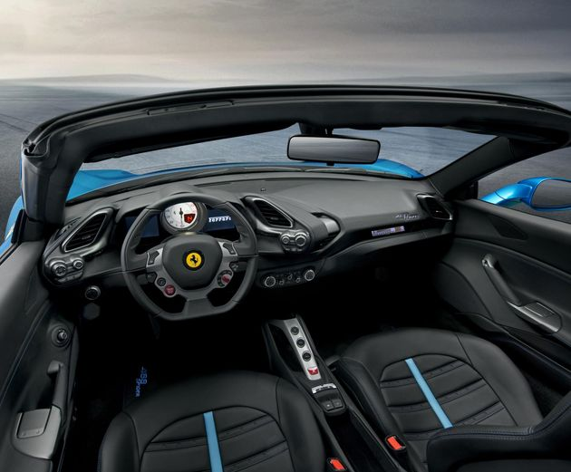 Ferrari_488GTB_Spider_interrieur