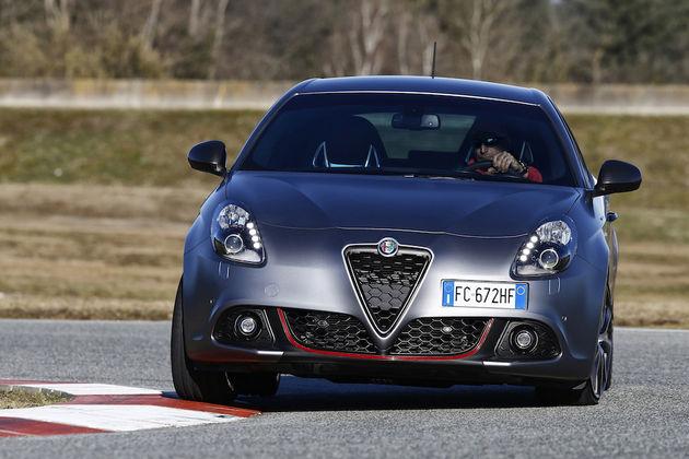 Alfa-Romeo_Nuova-Giulietta_02