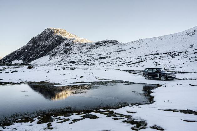 2-Range-Rover-Jonas-Bendiksen