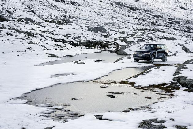 35-Range-Rover-Jonas-Bendiksen