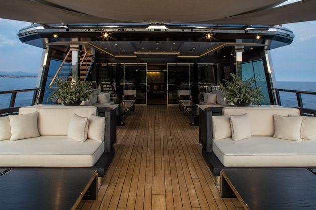 Atlante-upper-deck-aft-665x444