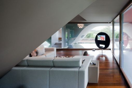 Birds-House-11-1-750x500