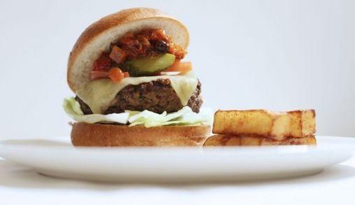 Broodje hamburger op 10 kilometer hoogte!