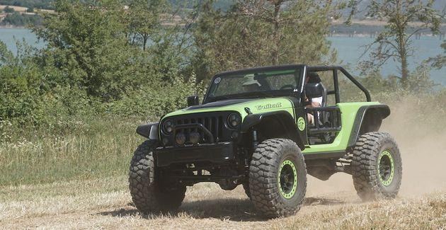 Camp_Jeep_2016_Jeep_Trailcat_Concept_car
