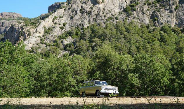 Camp_Jeep_2016_Jeep_Wagoneer_V8