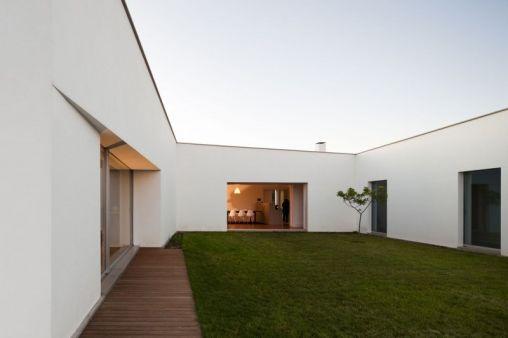 Candeias-House-08-800x533