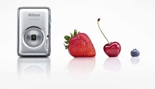 COOLPIX S02 van Nikon is kleiner dan een creditcard