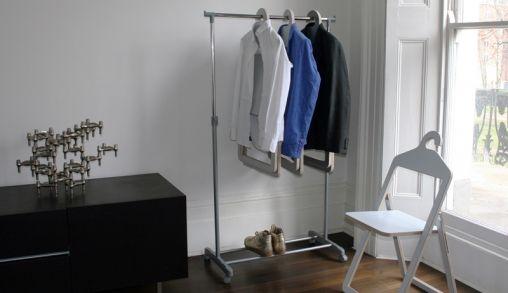 De Hanger Chair: stoel & kledinghanger in één