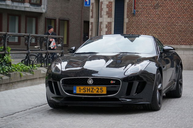 Jaguar_F-Type_S_black_2