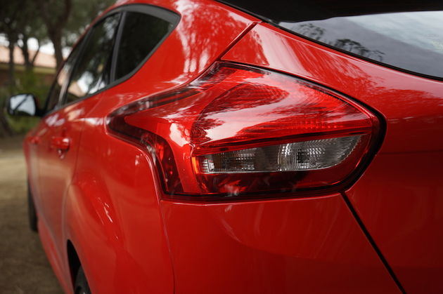 Ford_Focus_ST_red16