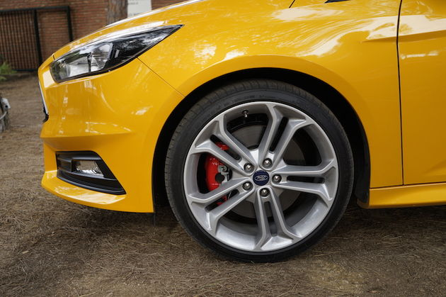 Ford_Focus_ST_yellow6