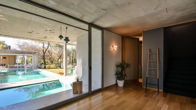 grupo-urban-casa-del-bosque-forest-house-cordoba-argentina-designboom-06