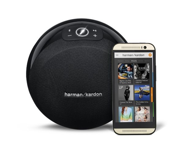 Harman-Kardon-Omni-10-Black-_Front-View-w-Phone_