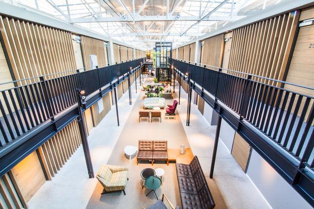 Hotel_De_Hallen_Lobby (2)