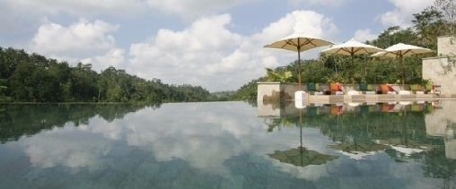 Infinity-Pools-at-Ubud-Hanging-Gardens-Luxury-Hotel-Resort-in-Bali-Indonesia-9