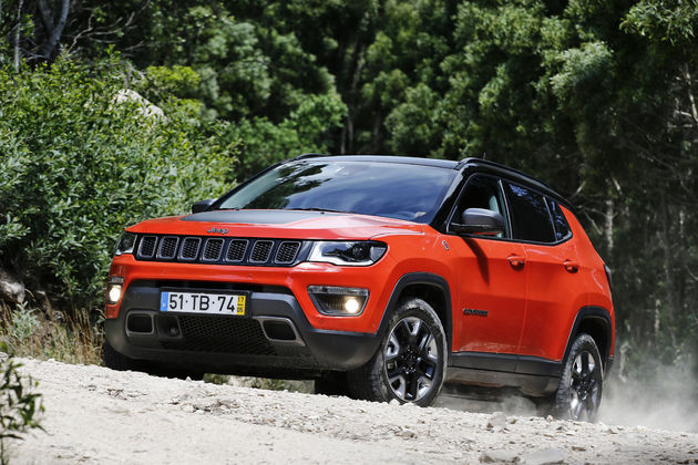 Jeep-Compass-Trailhawk--27-