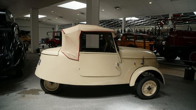 LAventure Peugeot_classic_car