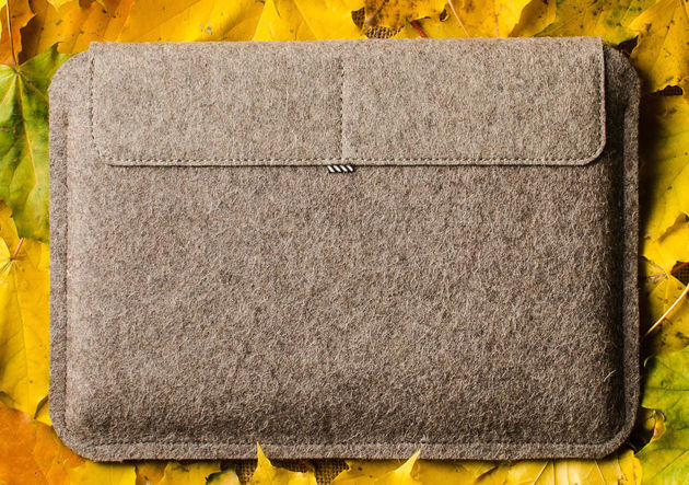 Leather-Macbook-Case-red-Wool-Felt-12
