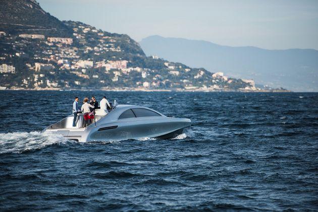 mercedes-benz-yacht-09-960x640