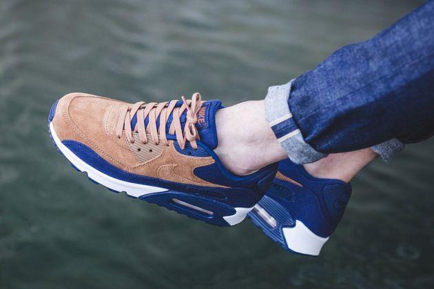 Nike-Air-Max-90-Premium-Sail-Midnight-Navy-Ale-Brown-3