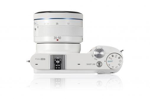 NX1100_009_Dynamic03_white