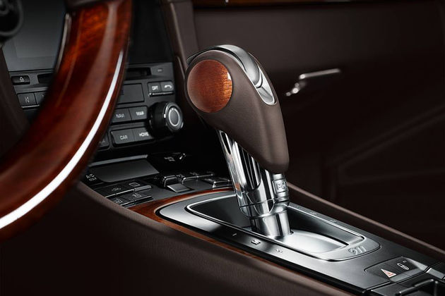 porsche-exclusive-carrera-s-cabriolet-wooden-trim-06