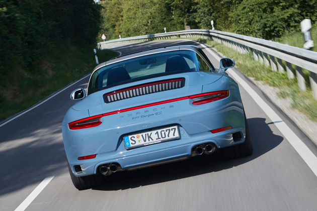 porshe-911-targa-exclusive-design-edition-mount-etna-7