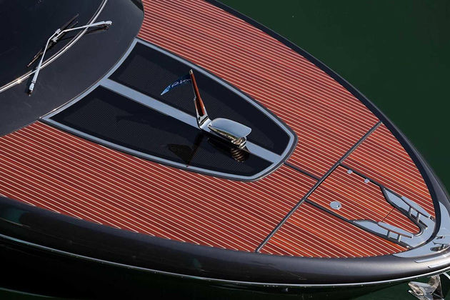 riva-rivamare-luxury-speedboat-002