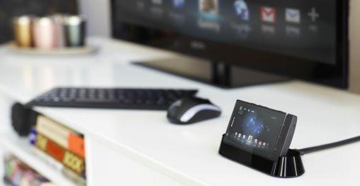 Sony zet met Xperia P en SmartDock in op koppeling met Bravia TV
