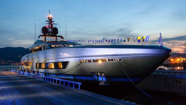 The-yacht-docked-at-dusk