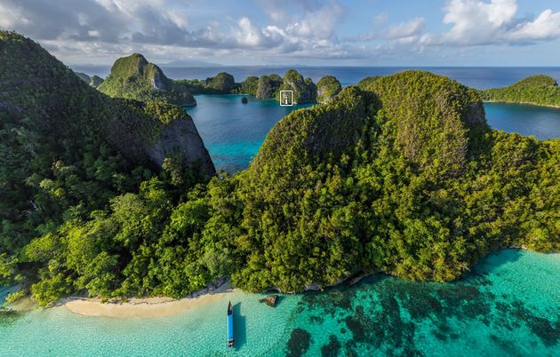 wayag-island
