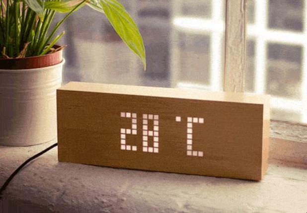 wekker die je wakker maakt met leuke tekstjes. Black Bedroom Furniture Sets. Home Design Ideas