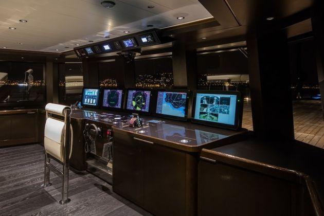 Wheel-house-superyacht-ATLANTE-665x444
