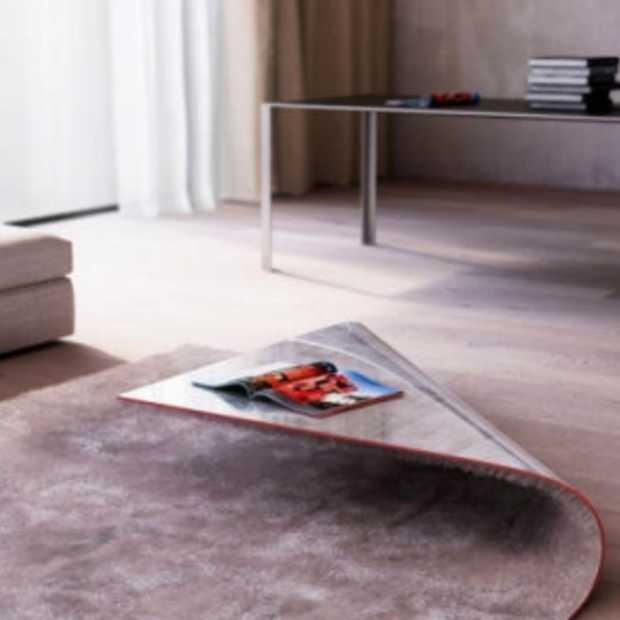 Bijzondere combinatie tussen tapijt en tafel